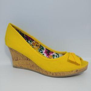 Dexflex Comfort 7 Yellow Cork Wedge Peep Toe Shoe